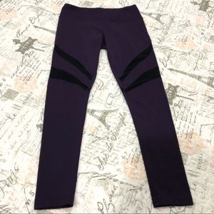 Yogalicious | 💜purple mesh yoga leggings size M